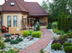 Что стоит сделать перед покупкой дачного дома