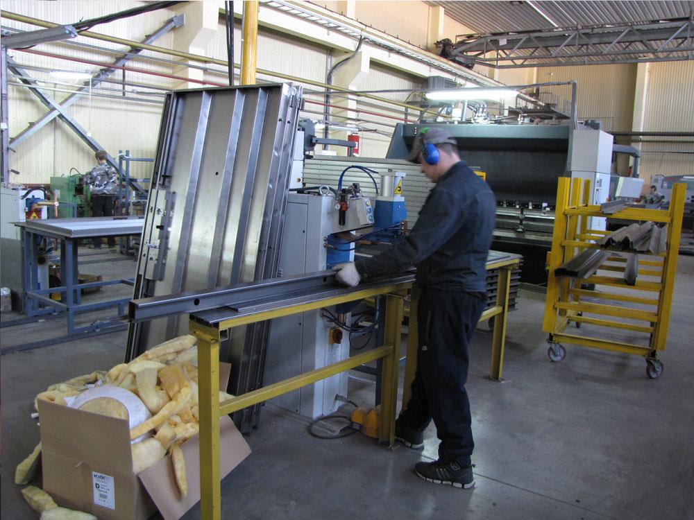 Организация производства металлических дверей